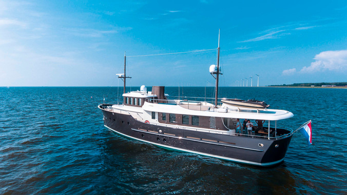 The Hartman Livingstone 24 Yacht Mixes 1930s Classic Style With Modern Luxury