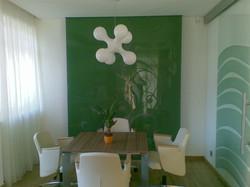 Amenajare birou cu geam vopsit verde