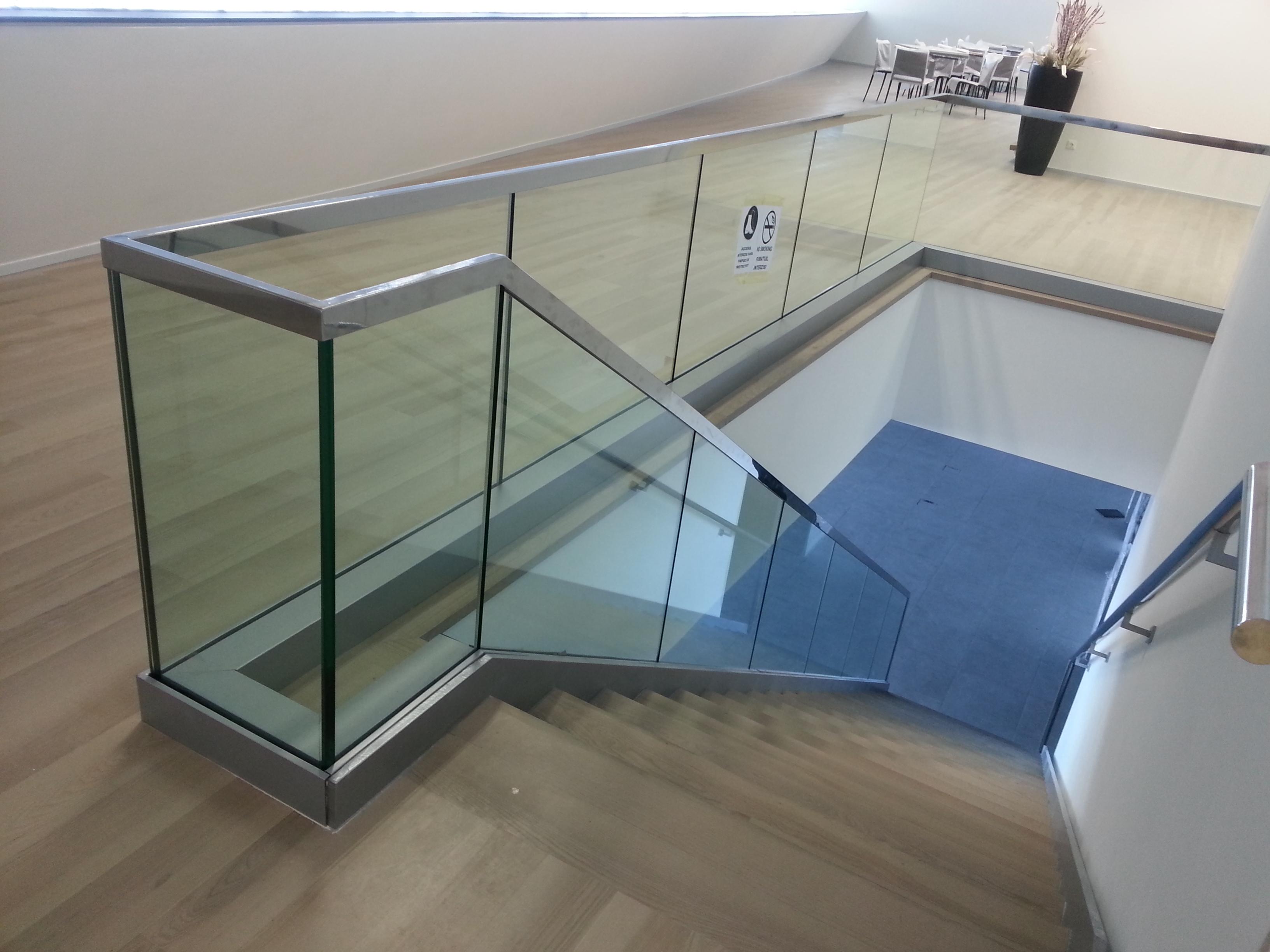 Balustrada din sticla14