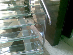 Trepte si balustrada din sticla