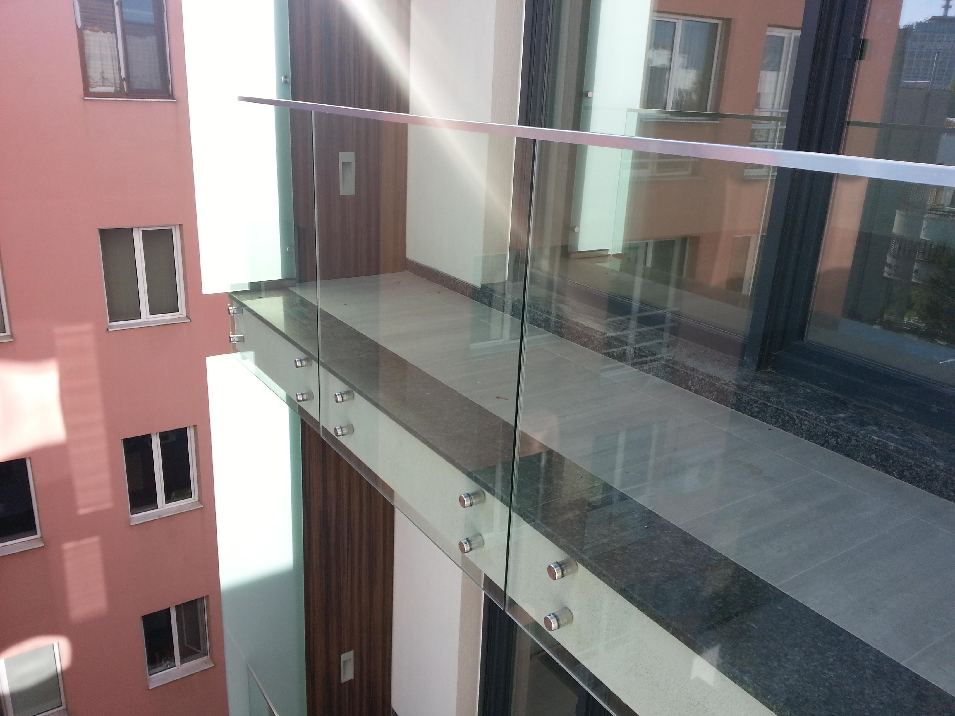 Balustrada exterioara din sticla SwgEvolution