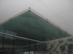 tavan sticla Tower Center