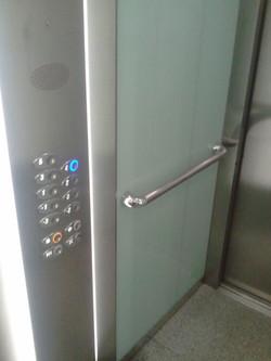 placare geam in lift