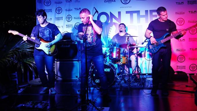 Ao vivo no On The Rocks Costa Azul FM