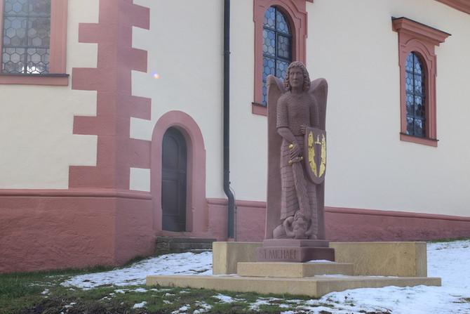 Neue St. Michael Statue