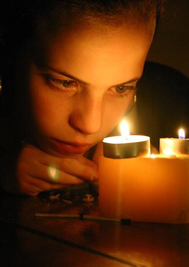 צילום לאור נרות, בוק