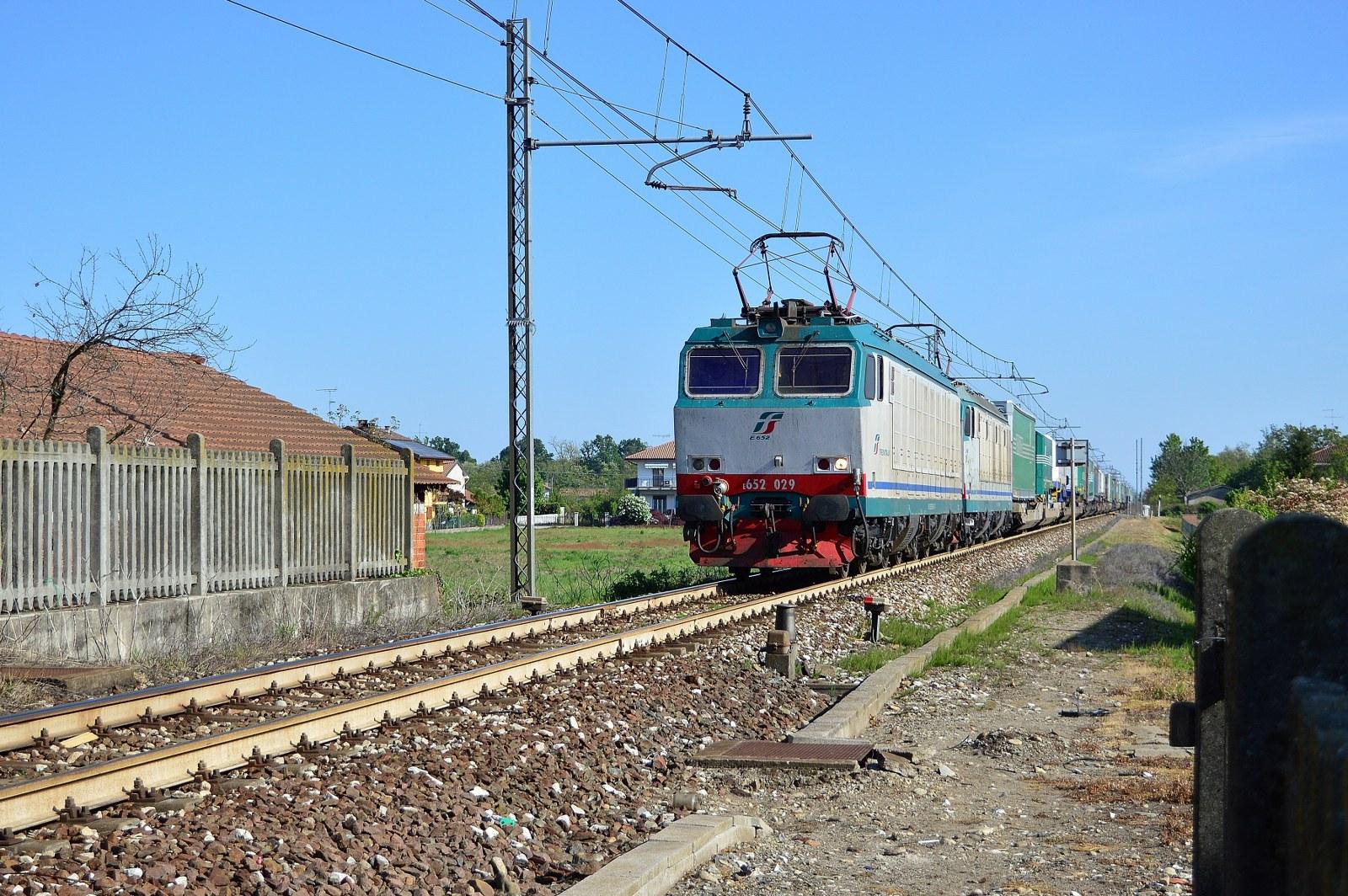Doppia Trazione di E652