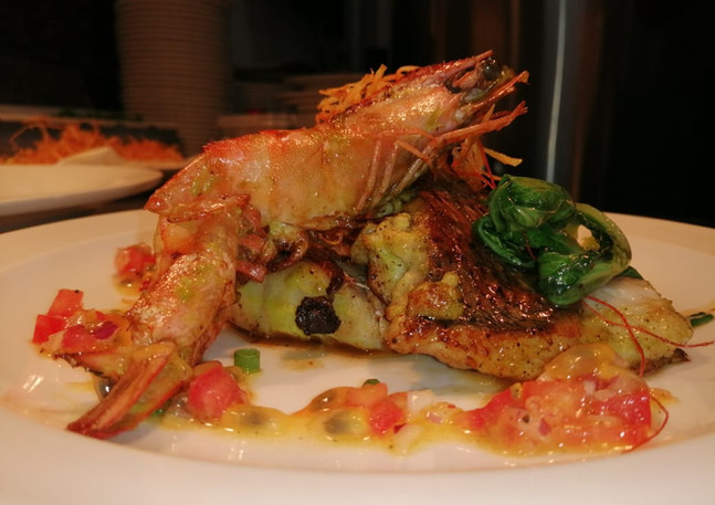 Red snapper with tiger prawn menu special in Mauritius