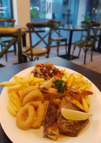 Best succulent seafood platter in Mauritius