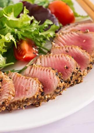 Best fresh seared salad tuna in Mauritius at The Fisherman Lounge