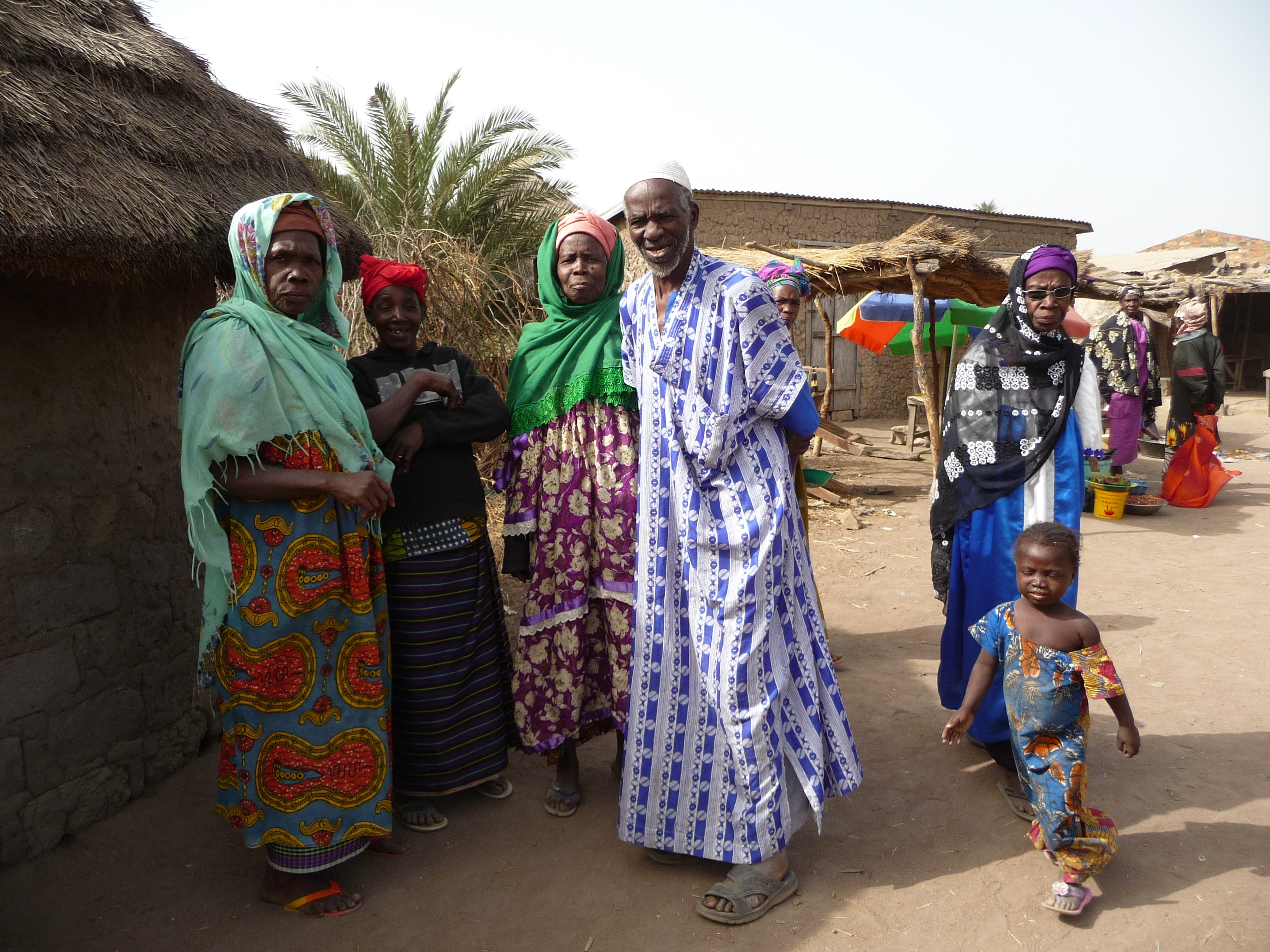 ギニアの村へ。