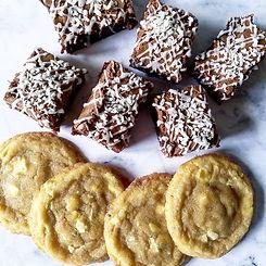 Brownie and cookies treatbox