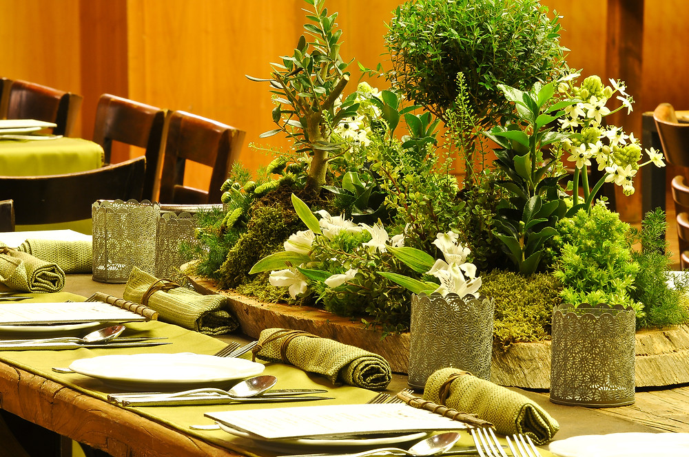 Lush green centerpiece for a refreshing look for your wedding tables
