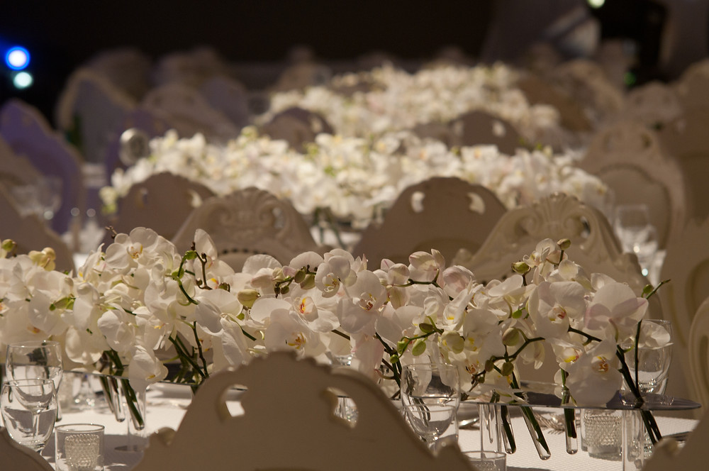 Orchid wedding table for a classic chic atmosphere