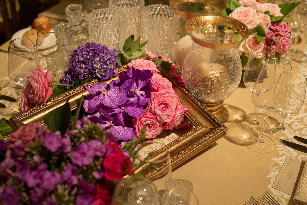 Springtime palette and gold accents for a gorgeous seder table design