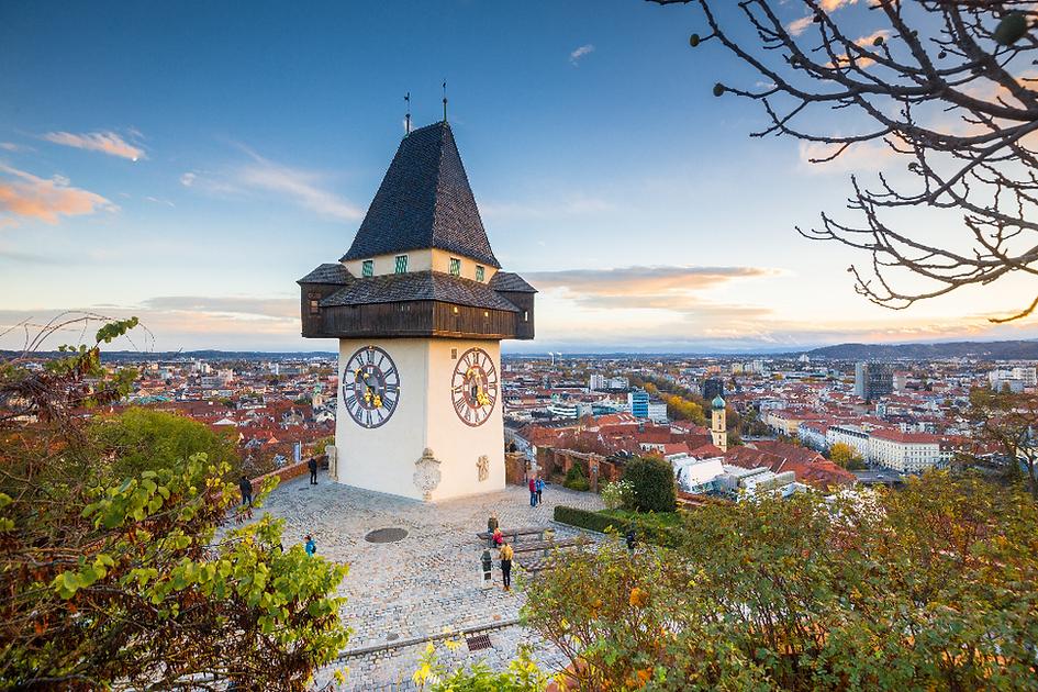 Grazer Uhrturm und Blick über Graz