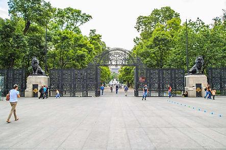 Puerta Leones.jpg