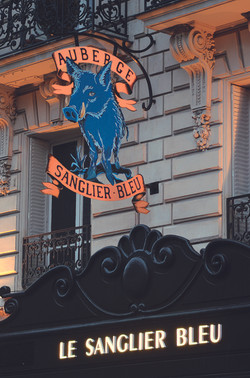LE SANGLIER BLEU Paris