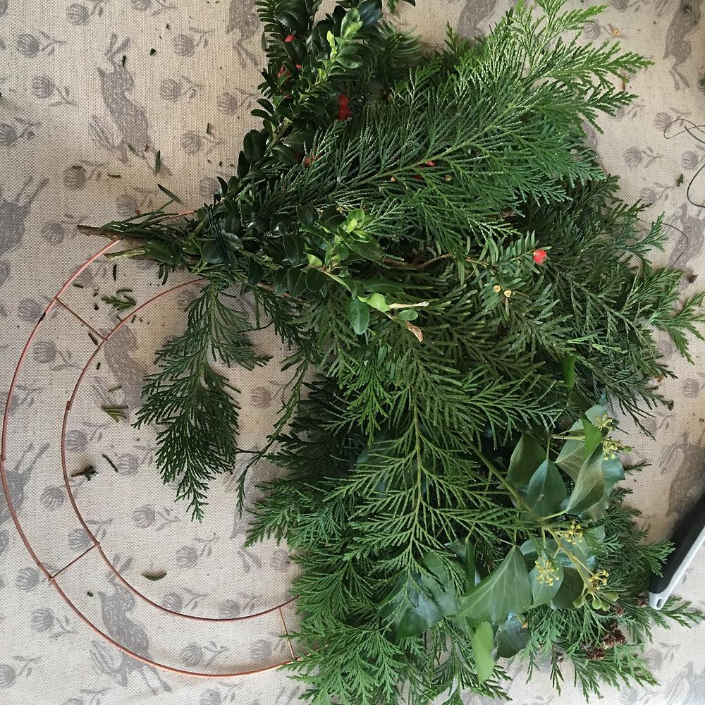 How to make a lush Christmas wreath