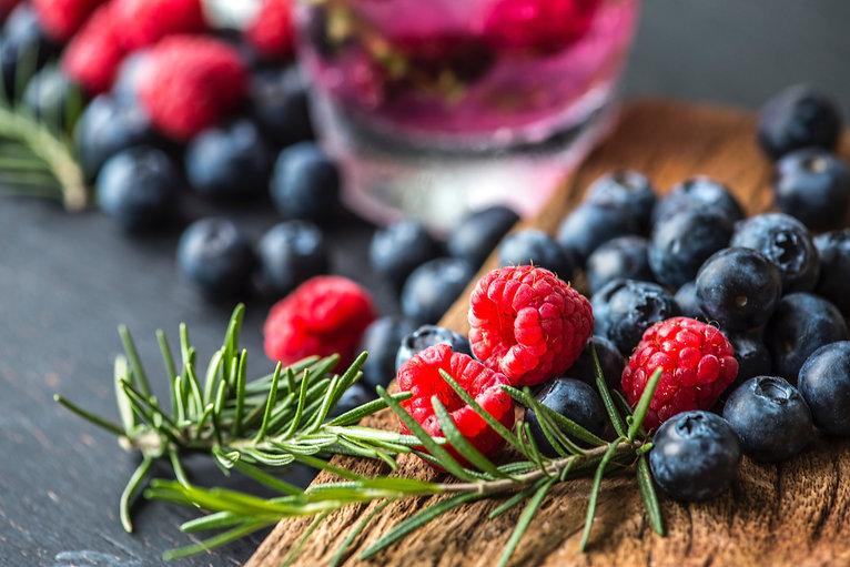 berries-blackberries-blueberries-1253536