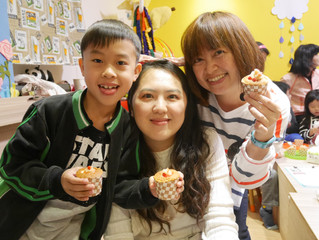 小初老師 - 3月櫻花草莓杯子蛋糕