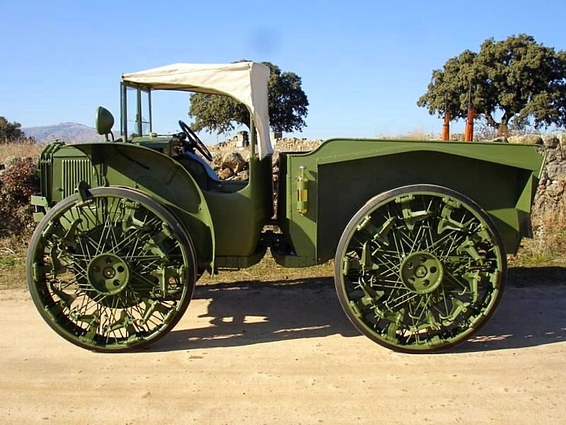 This would appear to be a recent restoration of presumably a Fiat built version of the Pavesi Tractor.