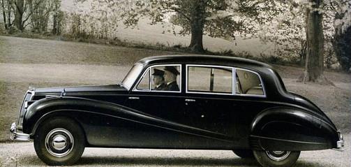 346 Sapphire Limousine