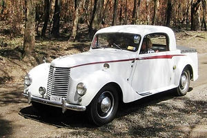 18hp King Cab Ute in Lithgow Valley Australia croped-min.jpg