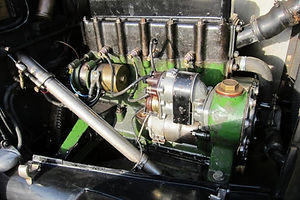 Armstrong Siddeley 4 14 1927  oS engine view No2 (2) 3 to 2.jpg