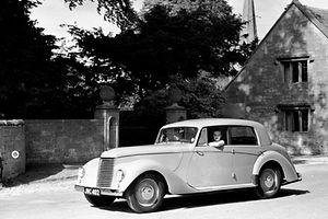 17CC 349  Whitley atStanton Corner 9.6.1950 cropt from top resize-min.jpg
