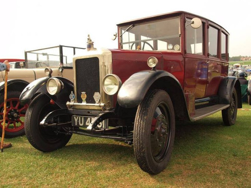 14/4hp Broadway Saloon. 14/4 refers to a 14hp four cylinder engine.