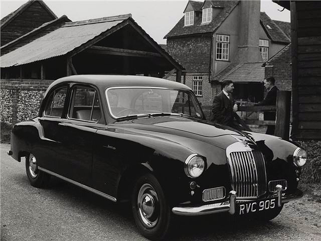 The 236 Sapphire had an upgraded 2.3 litre 6 cylinder engine derived from the earlier 18hp cars.