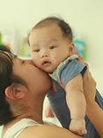 レンとママ キス.jpg