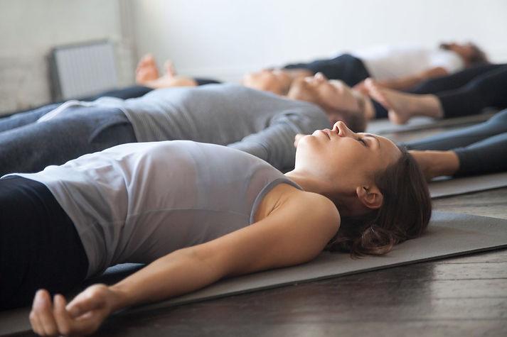 cours-yoga-Chaponost-1.jpeg