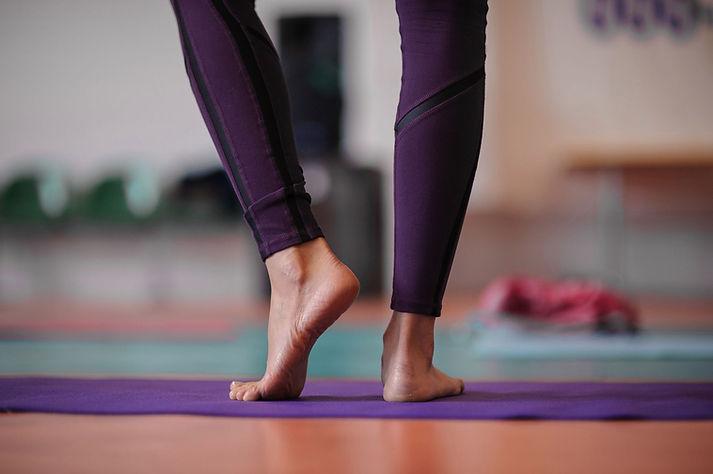 cours-yoga-saint-genis-laval-1.jpeg