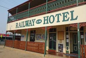 Allora Railway Hotel.JPG