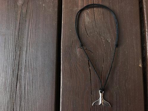 שרשרת סנפיר שחורה