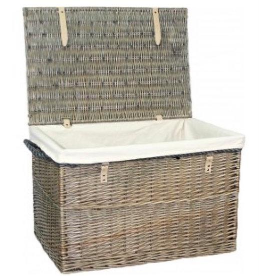 29'' Wicker Basket With Cream Lining