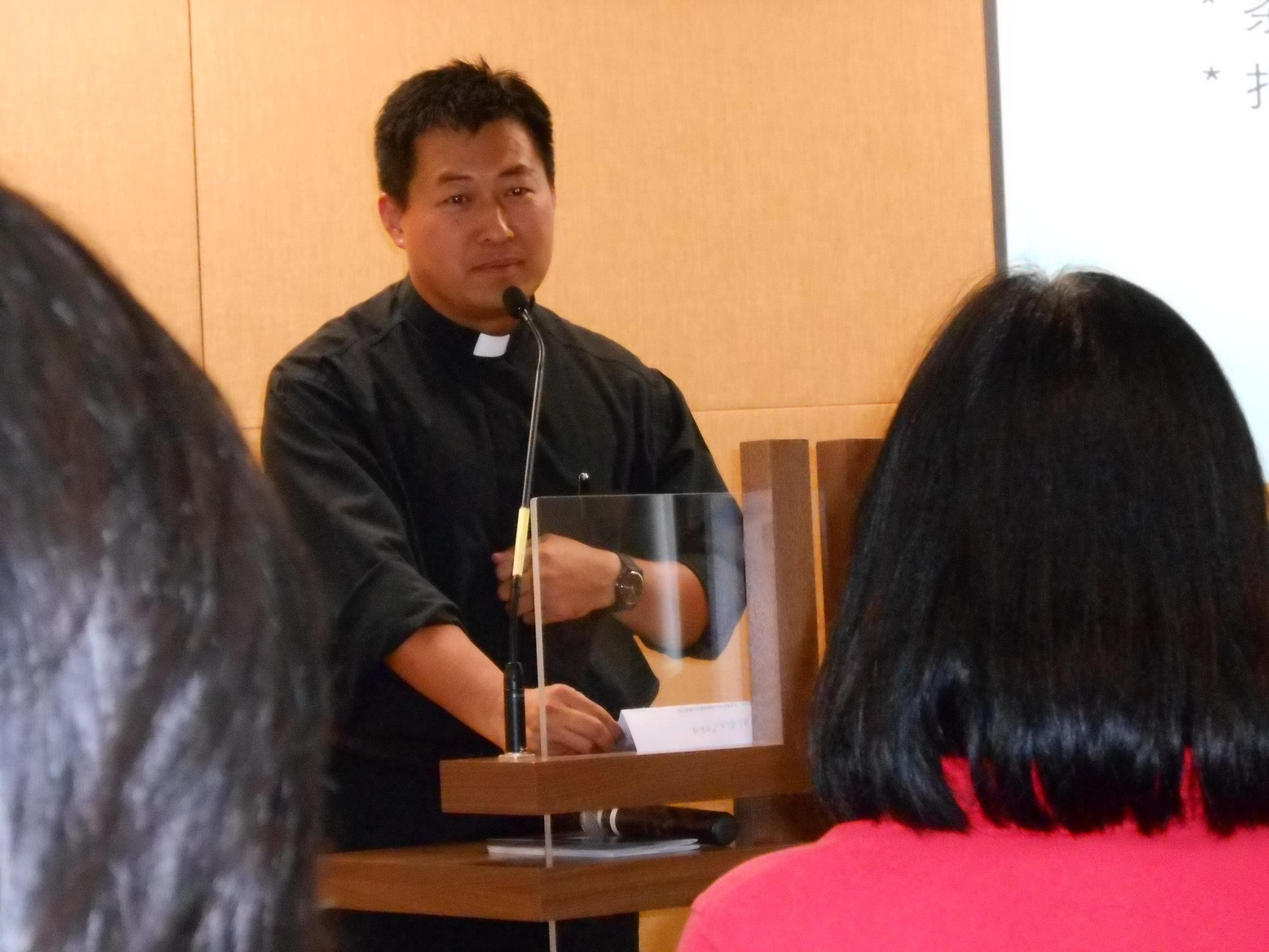 延续以往的信仰培育课程,神学院的成立,是培育教友的一个新的里程碑。