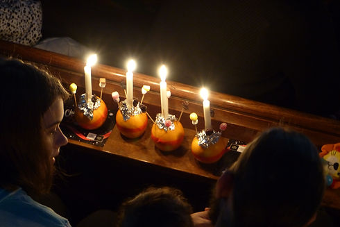 Christingle Tring Church 02.JPG
