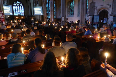 Christingle Tring Church 01.JPG