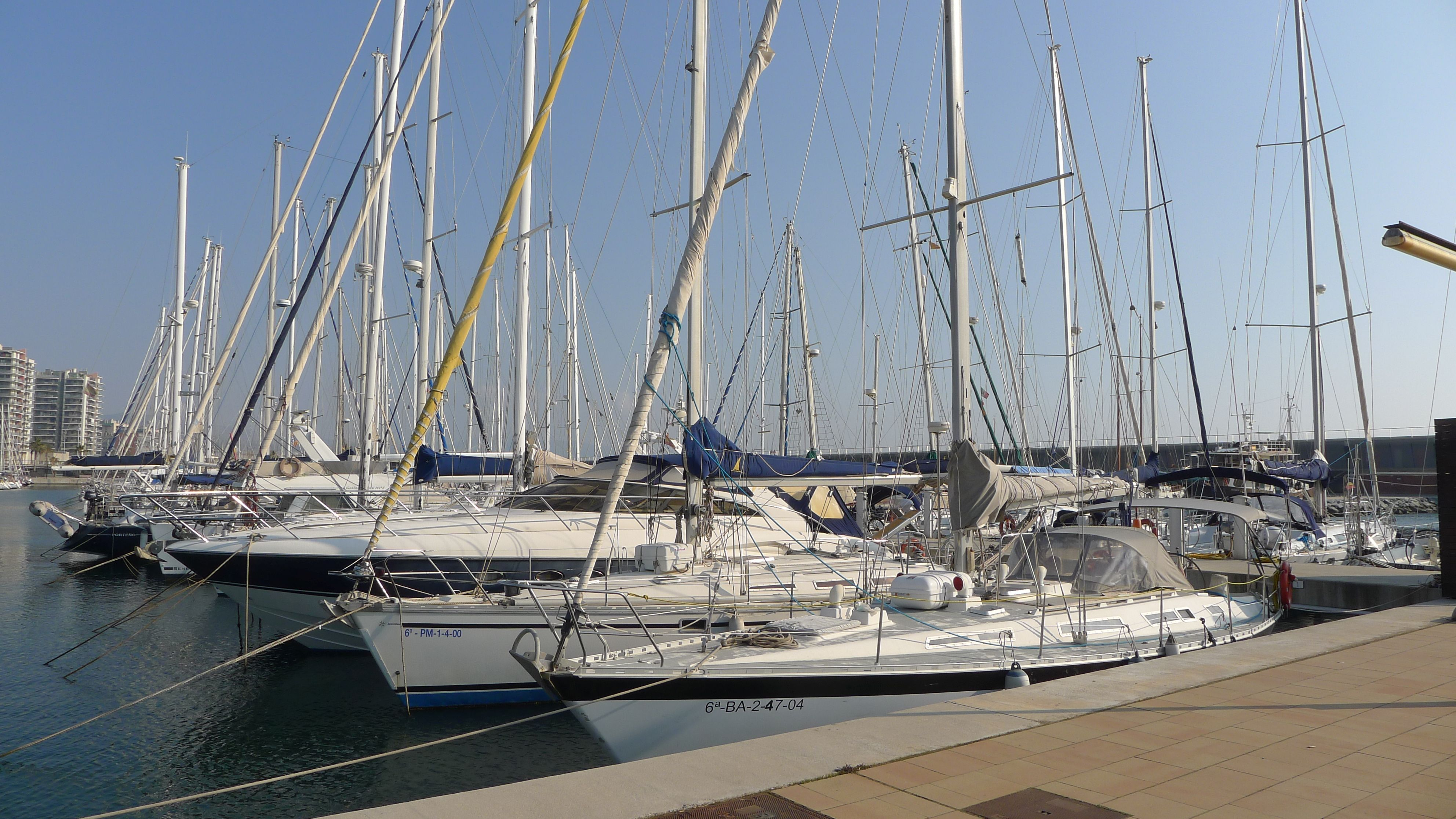 Marina Port, a 8-minutes-walk