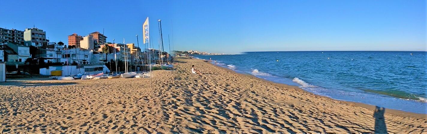 long sand beach of Montgat