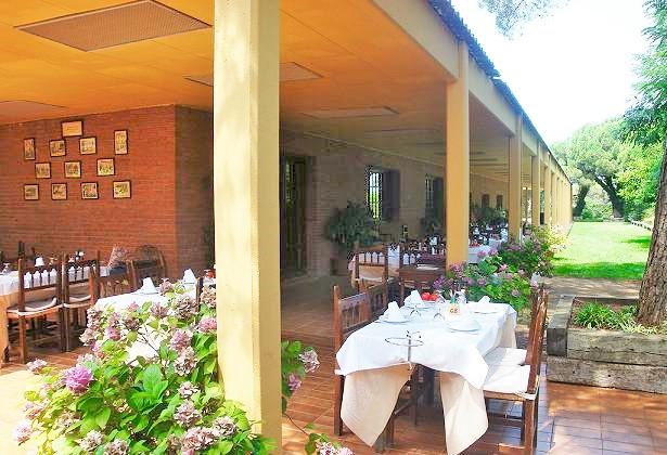 Restaurante cerca de la villa