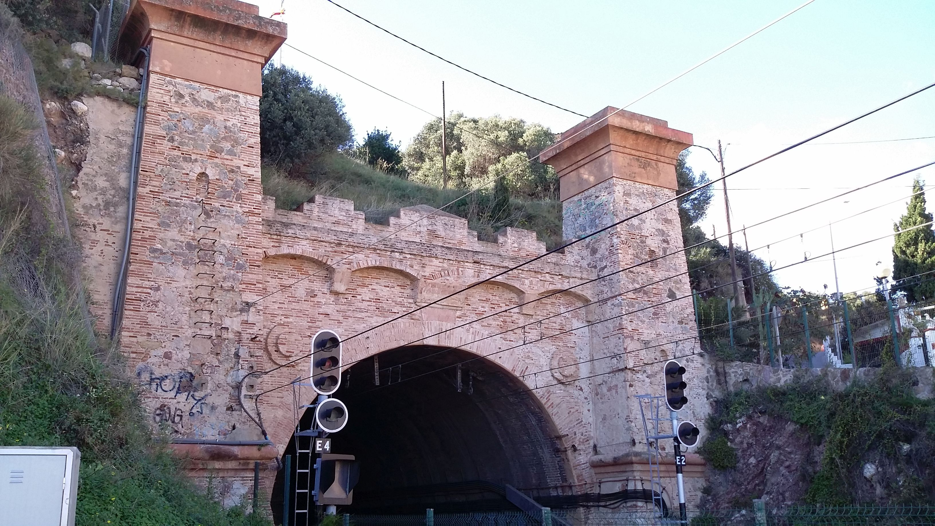 oldest train tunnel of Spain
