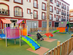 children´s playground right at the apartment