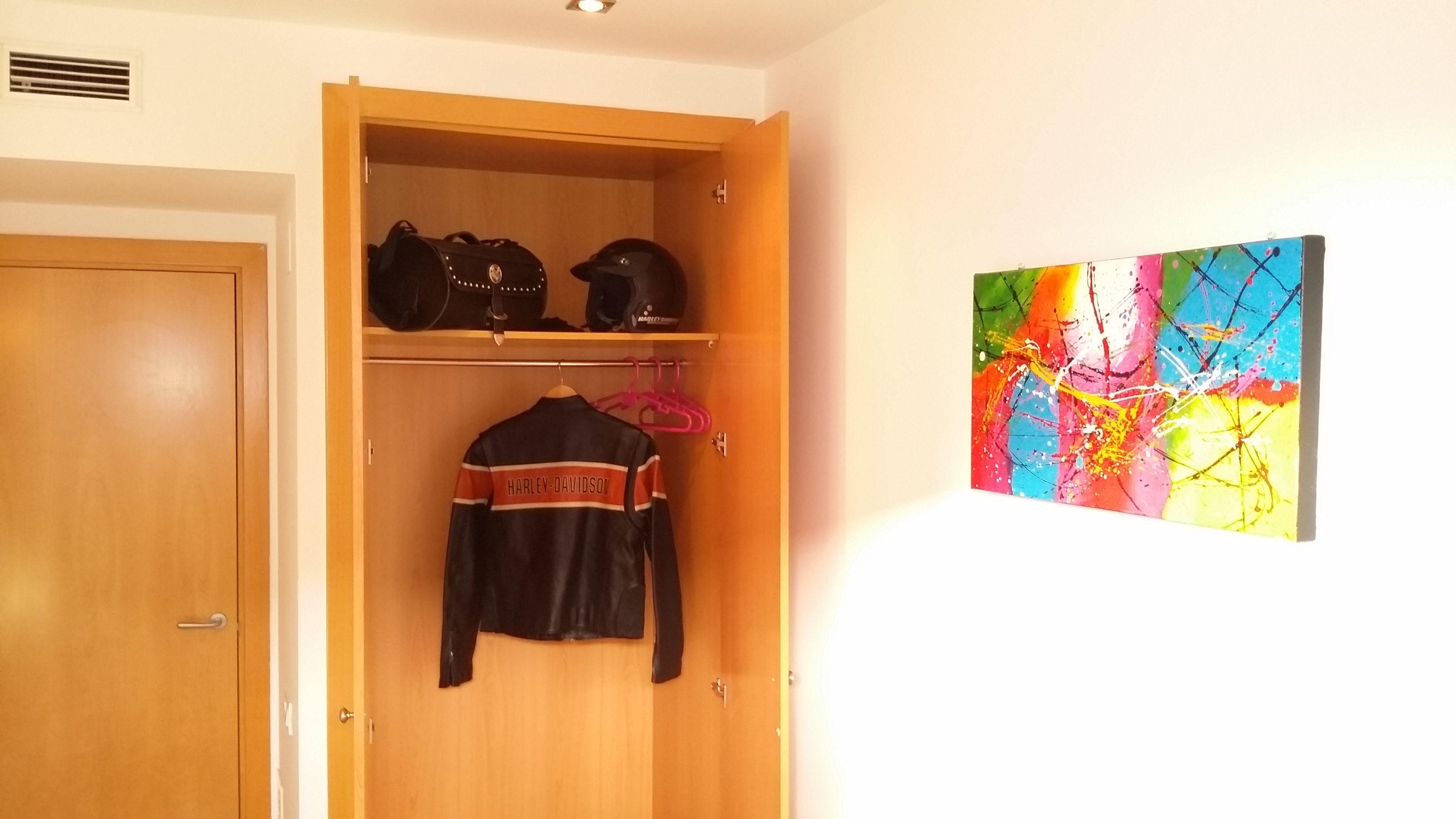 Bedromm II: wardrobe