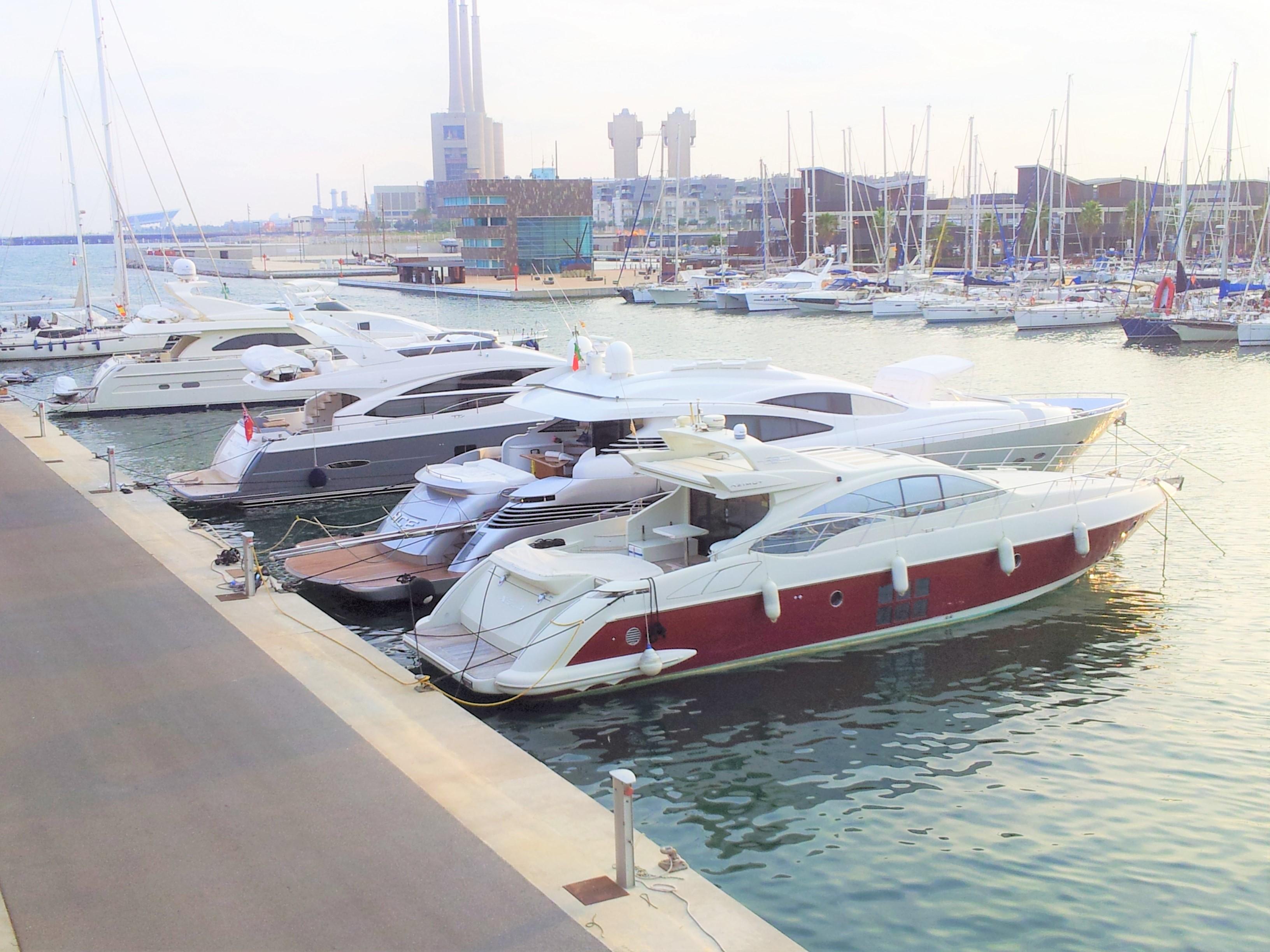 Marina-port, a 6-minutes-walk