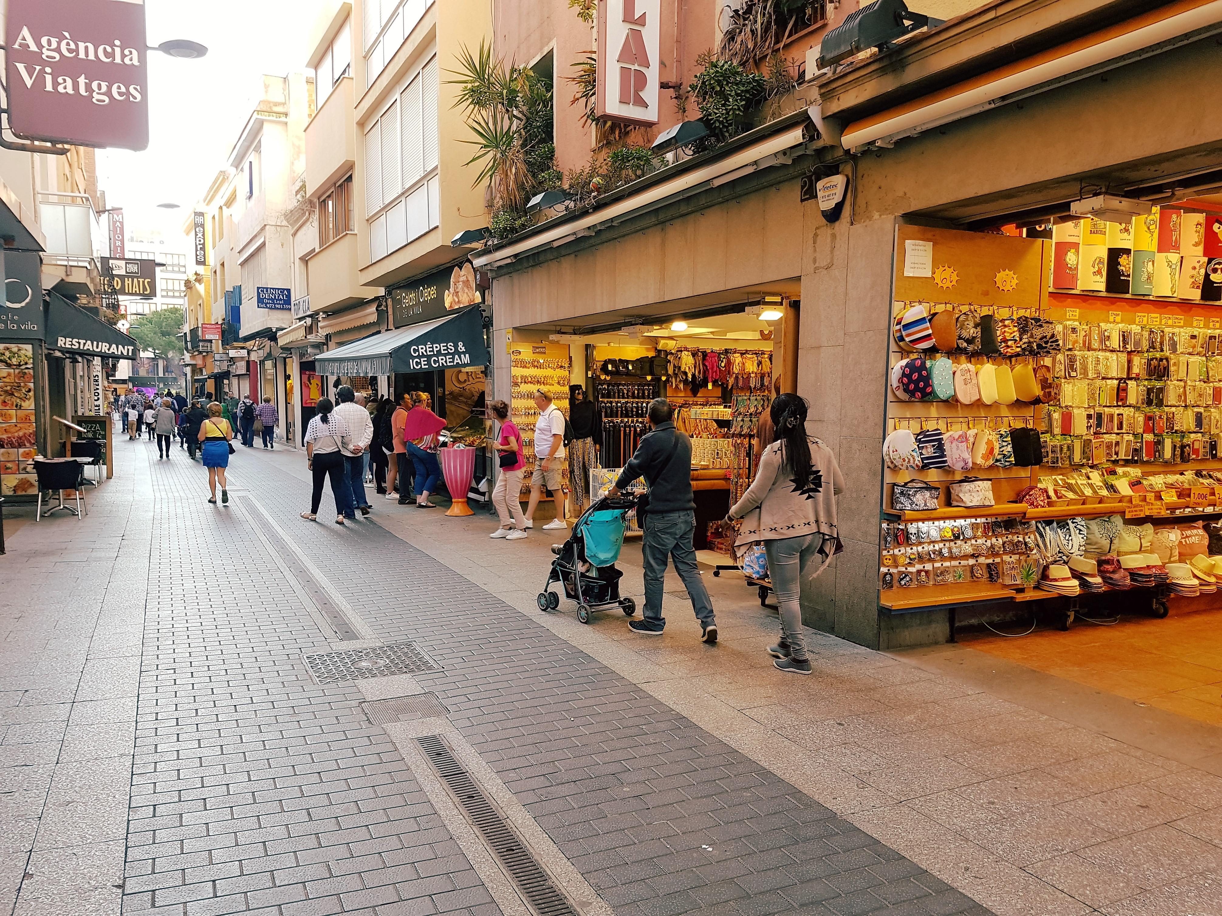 shops, shops, shops