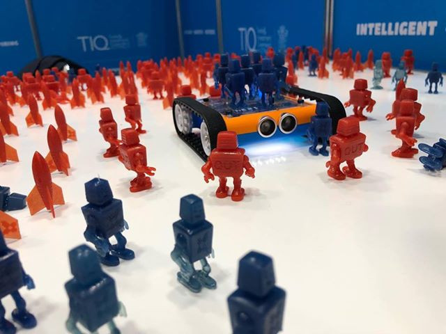 3D printer use case: Gizmo 3D Printers used to 3D print 500 robots and rockets fast for an exhibition stand